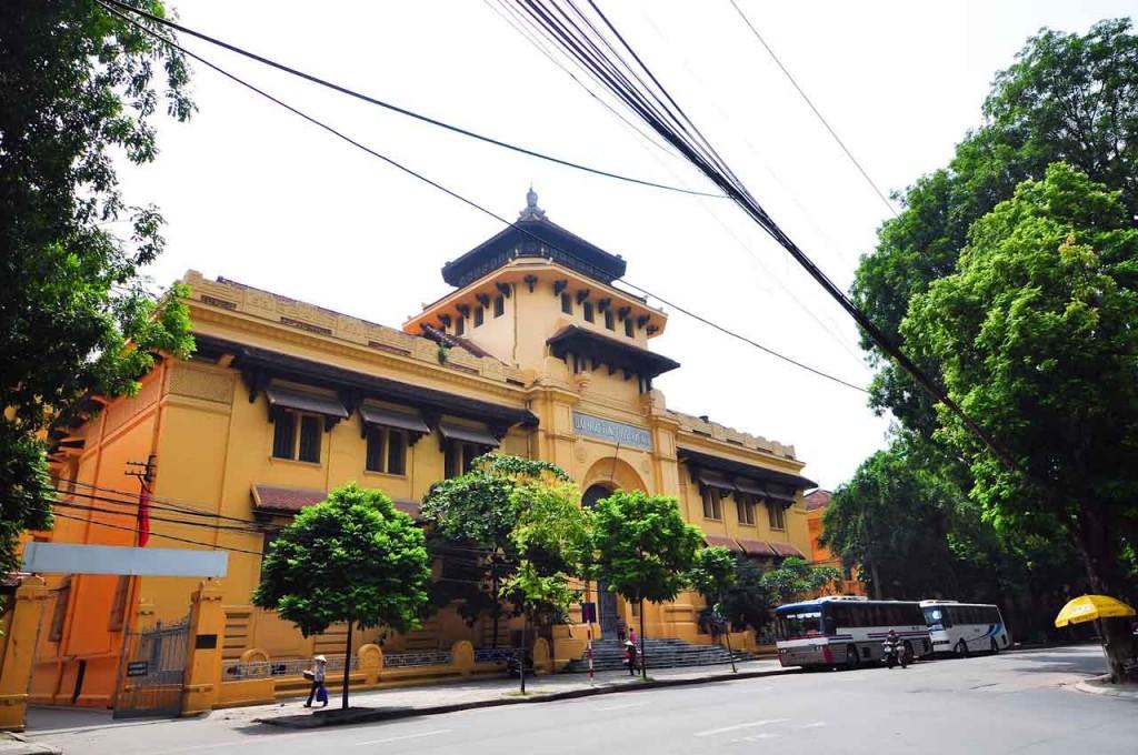 Kiến trúc Đại học Tổng hợp Hà Nội