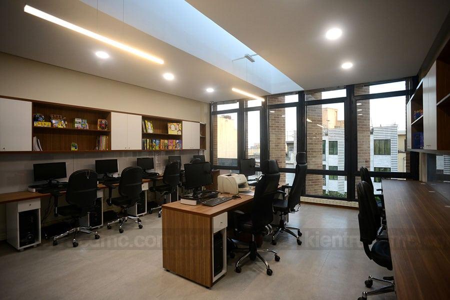 Thiết kế trụ sở làm việc trên đất hẹp có hai mặt tiền