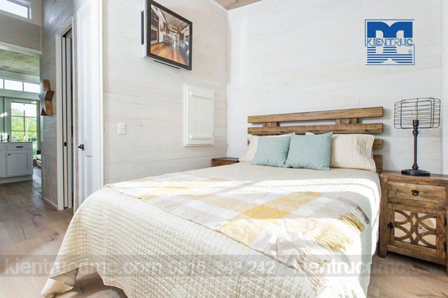 Ngôi nhà nhỏ xinh giữa đồng cỏ ghi điểm bởi thiết kế nội thất mộc mạc và ấm cúng
