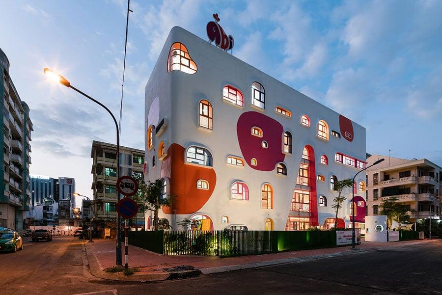 Thiết kế trường mầm non 5 tầng với kiến trúc độc đáo nhiều sắc màu