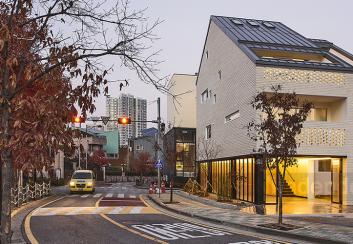 Thiết kế nhà phố 4 tầng phong cách đơn giản ở Hàn Quốc